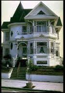 Queen Anne Style Residence