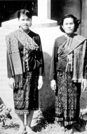 Phu Tai Women in Shoulder Cloths