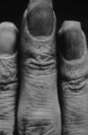 Obi Kimono, Serrated Fingernails