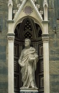 Orsanmichele: Niche of Saint Peter