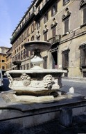 Fontana della Piazza Campitelli