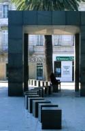 Bus Stop, N¿mes