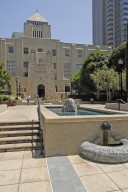 Los Angeles Central Library Maguire Gardens