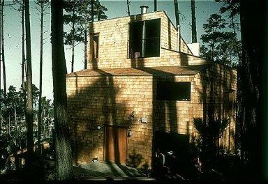 Karas House