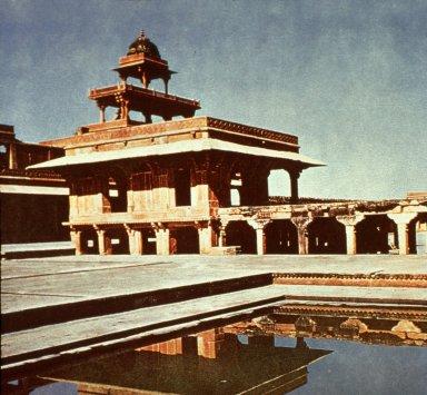 Divan-I Khas at Fatehpur Sikri