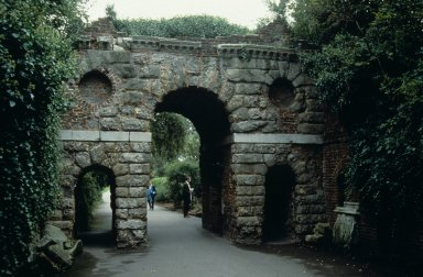 Kew Gardens: Ruined Arch