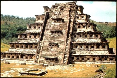 El Tajin: Pyramid of the 365 Niches