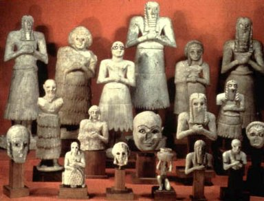 Votive Statues from the Square Temple