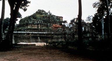 Angkor: Angkor Thom: Baphuon