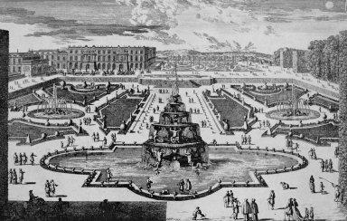 Versailles with La Fontaine de la Pyramide