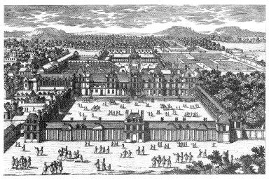 View of the Cour du Cheval Blanc at the Chateau de Fontainebleau