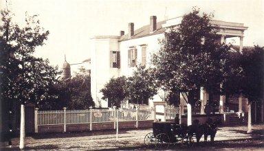Residence, 366 Esplanade Street