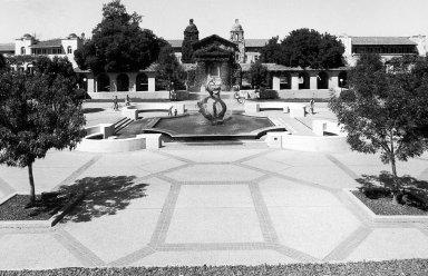 Stanford University: White Memorial Plaza