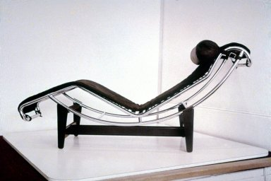 LC4 Chaise Lounge
