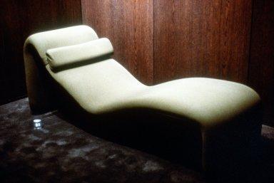 Djinn Chaise Lounge