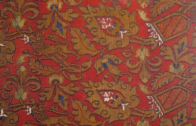 Cloth with Nasrid Coat of Arms