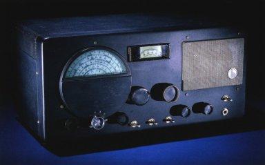 Short-Wave Radio Receiver, Hallicrafters Co.