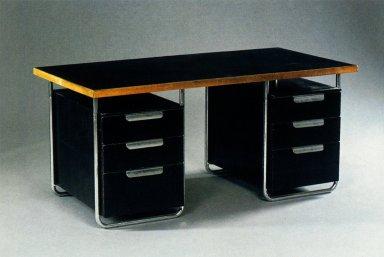 Desk for PEL