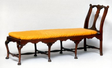 Daybed, Queen Anne Style