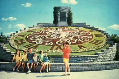 Decorative Topiary Residual Traditions, Niagara Falls-Canada-Ontario Hydro Floral Clock
