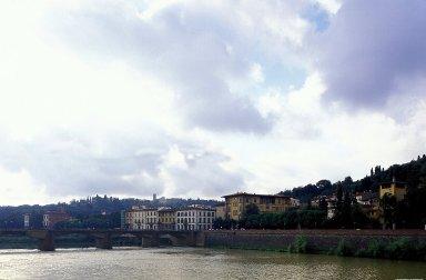 Arno River: Topographic Views
