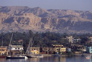 Cornish El Nile Street, Luxor: Topographic Views