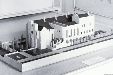 Haus Eines Kunstfreundes Competition [and Model]