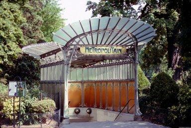 Paris Metro Shelter Type C; Port Dauphine Station