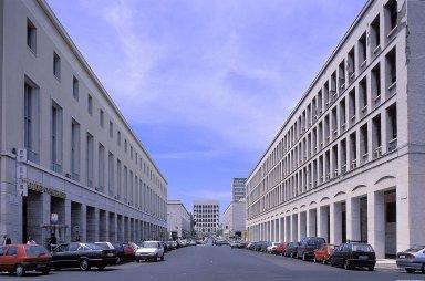 EUR: Viale Civilta del Lavoro