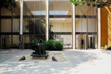 Hammer Museum, Franklin D. Murphy Sculpture Garden