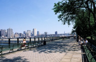 Brooklyn Heights Esplanade