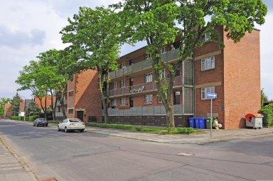 Housing with Balcony Access (Five Apartment Blocks), Dessau