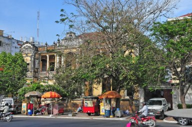 Phnom Penh: Topographic Views of French Colonial Architecture