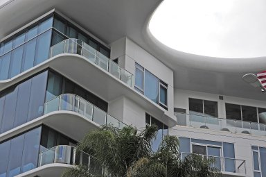 8500 Burton Way Apartments