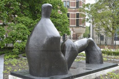 Reclining Figure: Arch Leg