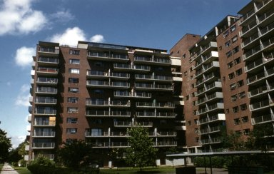 Massachusetts Institute of Technology: Eastgate Apartments
