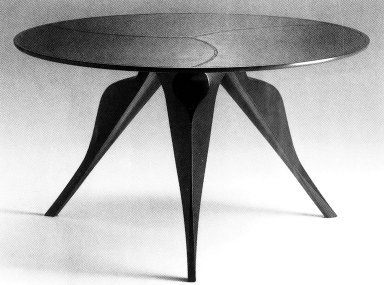 Macaone Table