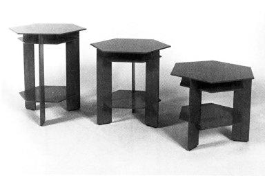 Taliesin ¿ 3 Table