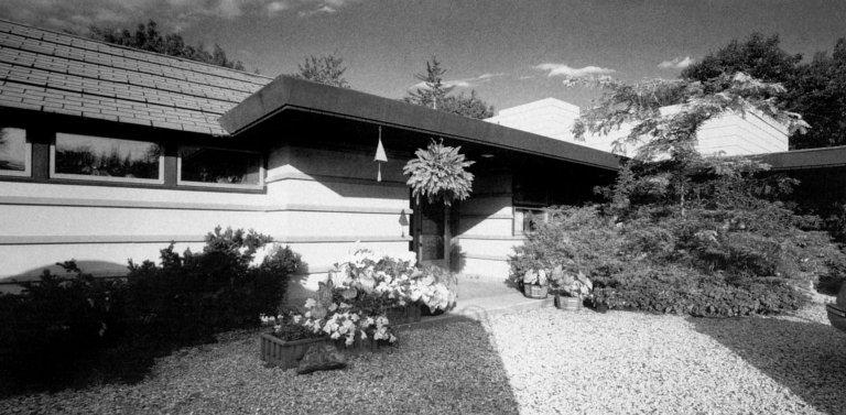 Eugene van Tamelen Residence