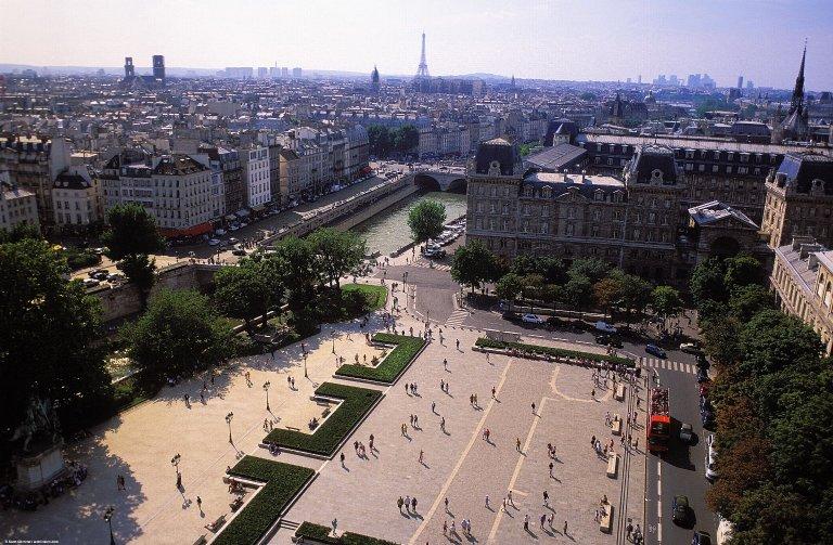 Paris: Aerial Topographic Views